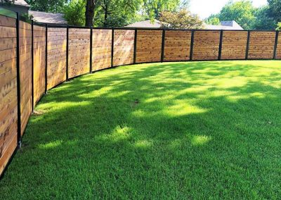 Curved Horizontal Privacy Fence