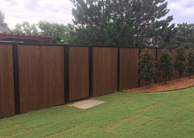 FenceTrac Black Metal Posts & Wood Infill