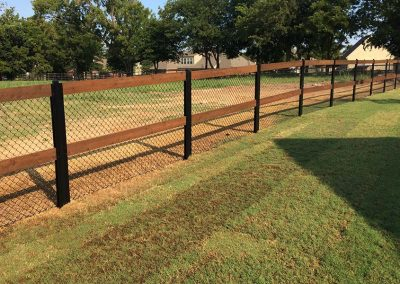 FenceTrac Ranch Rail Fence With Black Chain Link